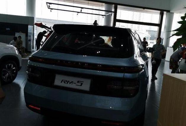 全新宝骏RM-5实车到店!轴距2.75米不输吉利嘉际 配1.5T+CVT