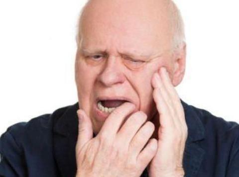 牙龈出血不一定只是刷牙方法不对,可能是身体疾病引起的!