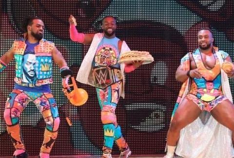 WWE冠军得主科菲竟然拿麦片砸粉丝?