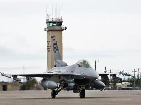 """驻韩美军返回本土参加""""红旗19-3""""军演 F-16战机宝刀不老"""