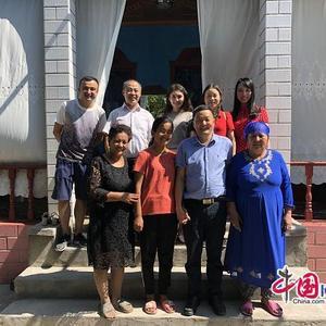 真情越千里 湖北师范大学派专班赴新疆家访少数民族学生