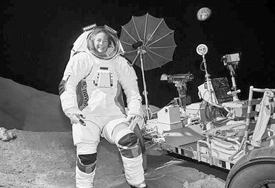 可用于火星任务的新一代宇航服亮相