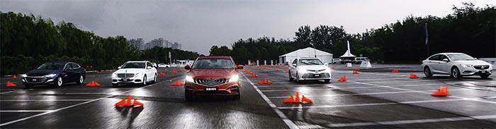 新款吉利博瑞GE与主流B级车PK加速谁赢了?1.5T+48V加速仅8秒9