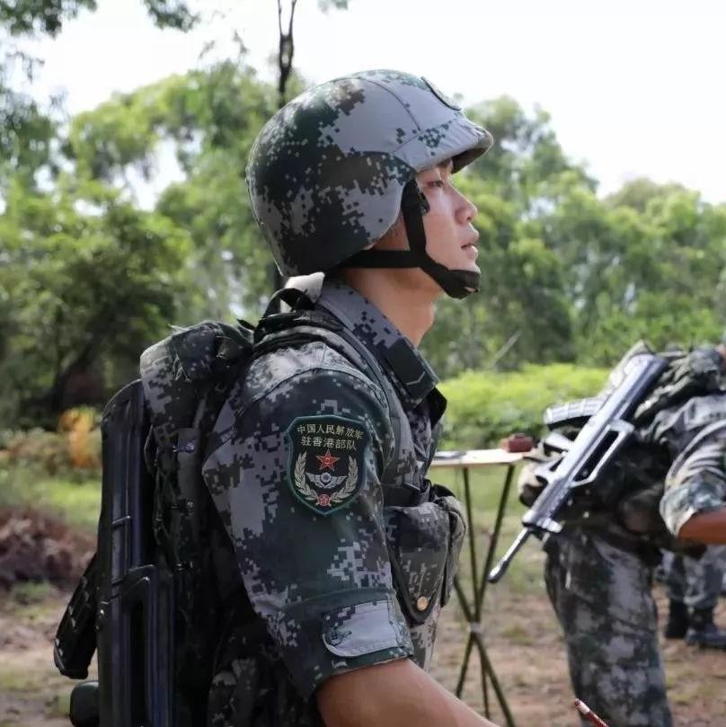 """揭秘驻香港部队:""""爆棚""""战斗力是如何练成的"""