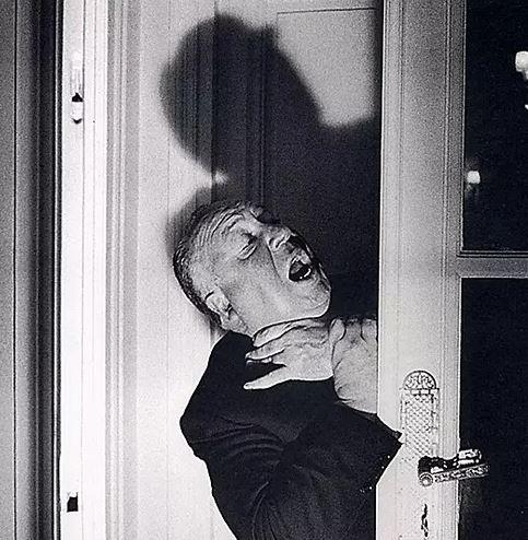 希区柯克120周年诞辰 | 他曾告诉安迪·沃霍尔:人们谋杀,是出于绝望