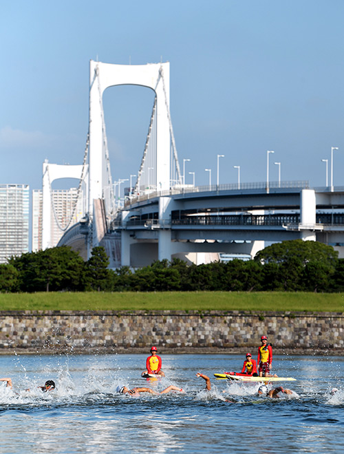 比賽場地東京灣水域。