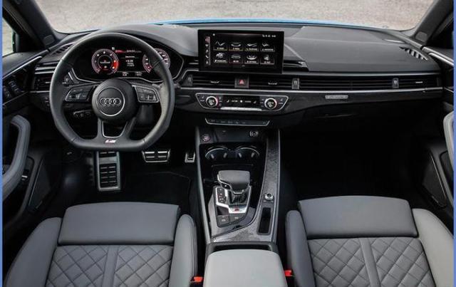 奥迪新款A4L在外观设计方面,新车采用了最新的家族式设计语言