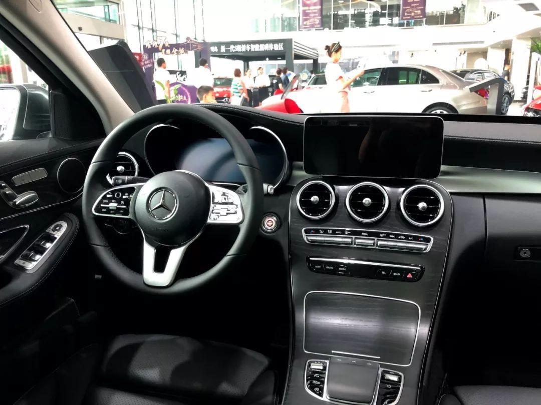 30万左右预算,奔驰C260L、奥迪Q5L谁更值得买?