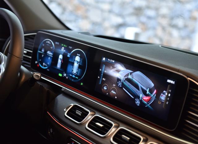 2020款奔驰GLE内饰是最大卖点,73万起仅2.0T,车主说起步较肉