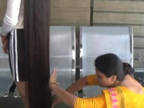 头发最长的青少年,尼兰世·帕特尔头发长170.5厘米
