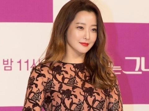 """42岁金喜善晒照颜值在线无皱纹,""""韩国第一美女""""容颜未老"""