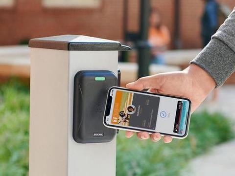 除了交通卡,校园卡也可以放进iPhone了