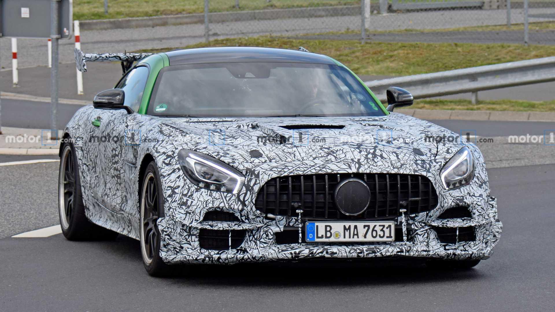 奔驰AMG GT R Black谍照曝光,动力超700匹