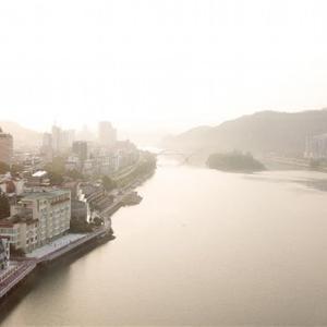 新安江晨雾