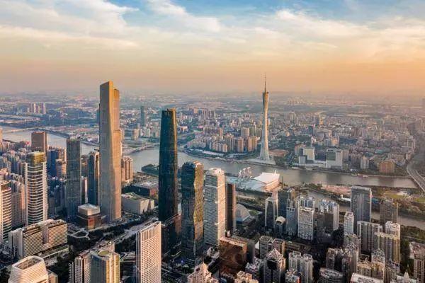 地方财政半年账本: 广东江苏上海收入稳居前三|地方