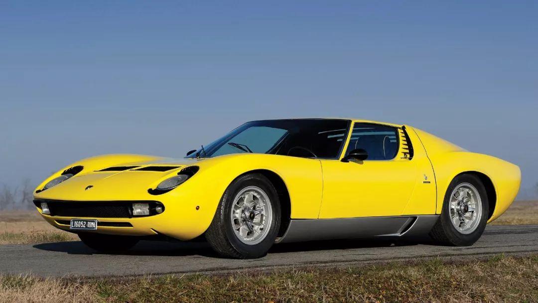 在V12发动机灭绝之前,我们应该记住这10台车