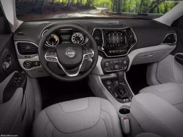 20万以内SUV也能个性十足 你选哪一派?