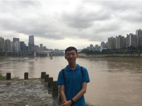 北京大学新生:遇见北大,就是遇见梦想,毕业于北京二中!