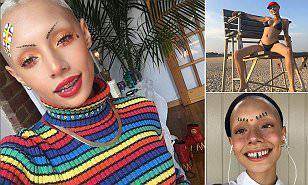 """美国女孩成最""""另类""""模特,假牙光头还不带眉毛!"""