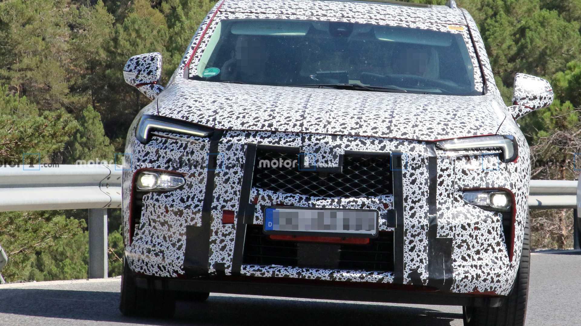 标致5008姊妹车型 欧宝新一代7座SUV谍照曝光