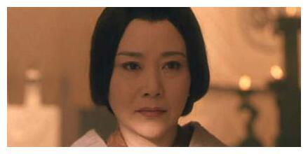 她曾主持过1986年央视的春节联欢晚会,曾安乐死被抢救七天七夜