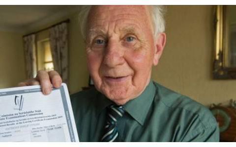 【社会】励志!80岁退休老爷爷参加爱尔兰高考,喜获成绩