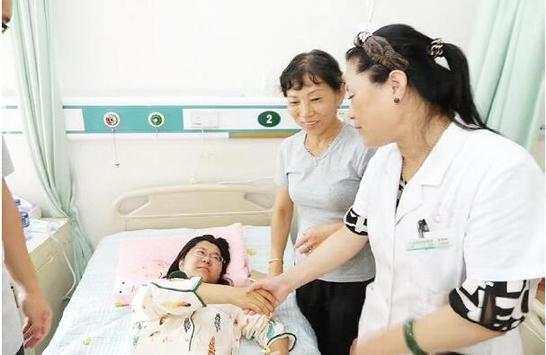 大庆医生全力抢救 高危产妇惊心动魄的一夜