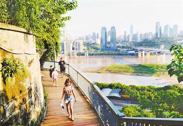 重庆成游客搜索量最高的十大城市之一