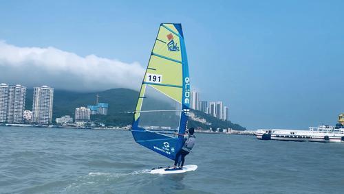 汕头:广东省青少年帆船帆板锦标赛南澳岛扬帆起航