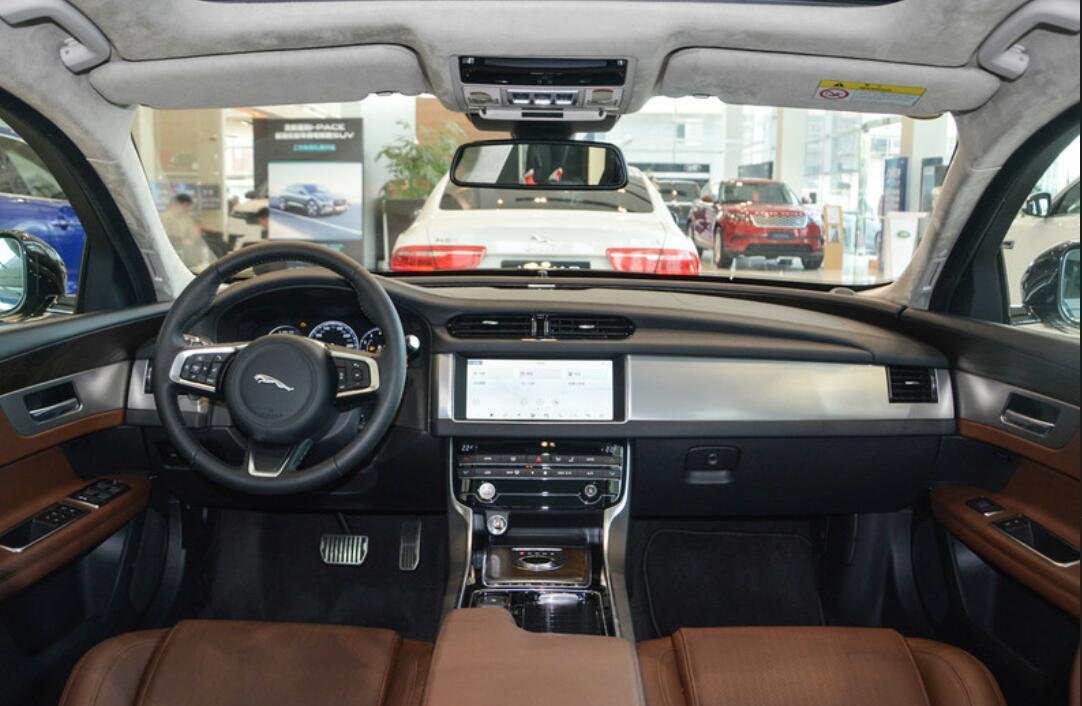 30万预算不想买BBA,这四款豪华轿车有品质又不落俗套