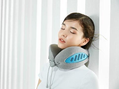 伏案太久颈椎不舒服?小米有品上线冰爽透气护颈神器乐范双色颈枕