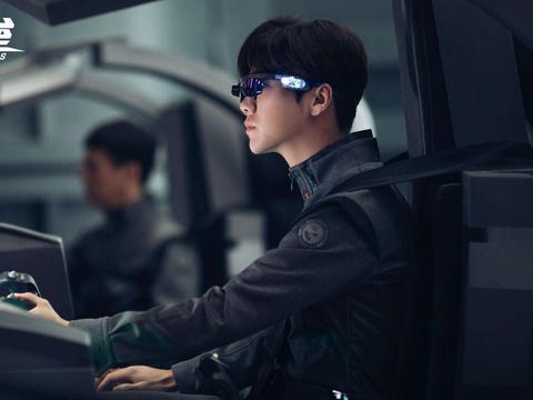 中国科幻未死,郭帆携《流浪地球》续作再度叩门,这演员阵容稳了