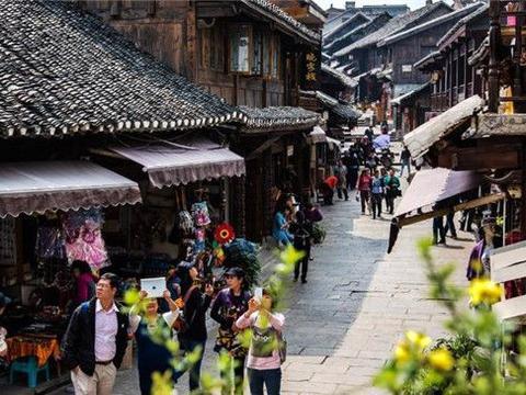 全世界最特别的小镇,70%为老年人,靠卖树叶年入千万元