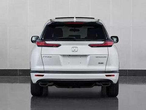 车身尺寸介于缤智和冠道之间,和东风本田CR-V比较接近。