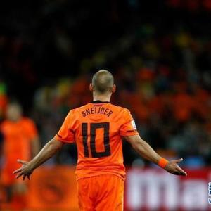 前荷兰队核心斯内德宣布退役