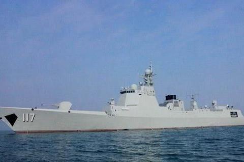 中国6艘军舰再穿宫古海峡,西媒:在为国产航母编队做准备