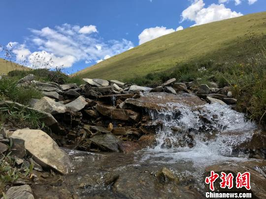 三江源牧民自发建立生物多样性社区保护地