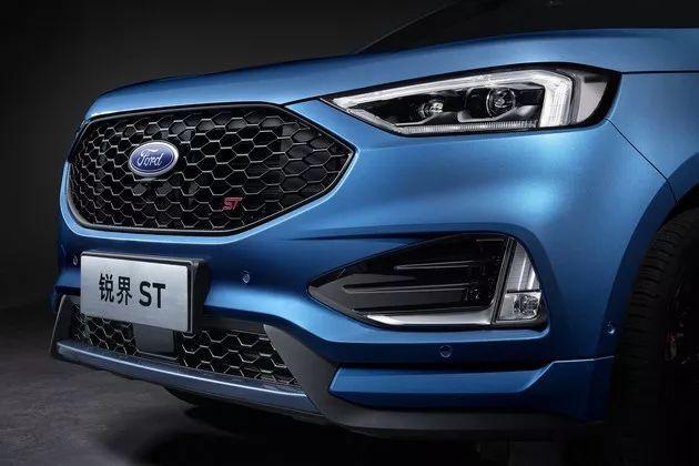 福特性能SUV,罕见六缸2.7T配8AT,性价比远超宝马X3
