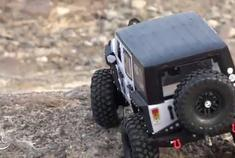 视频:想要这样的RC大玩具吗 Jeep Wrangler TRX4越野大片