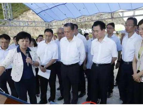 """古驰""""行政布鞋""""再度蹿红,北京人脚一双,也成了北京干部标配"""