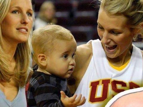 NBA中的情场赢家!40岁辣妈为他生子,如今又交20岁年轻小女友