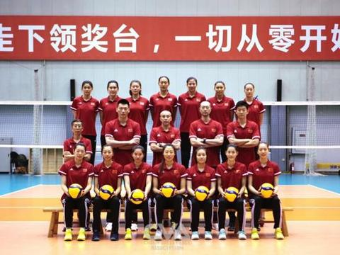 亚锦赛韩泰两队动真格,中国女排夺冠不乐观,一优势或能突出重围