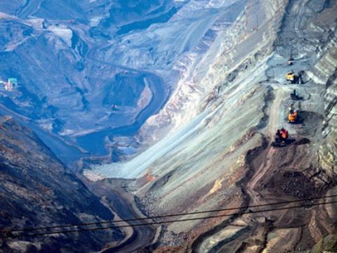 亚洲最大的露天煤矿,几乎被日本人搬空,如今吸引140多国人参观