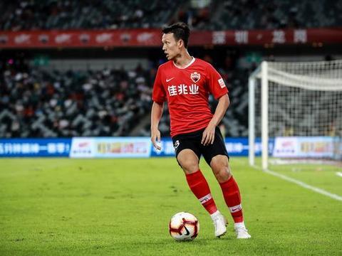 深圳佳兆业队员高天意入选U22国家队