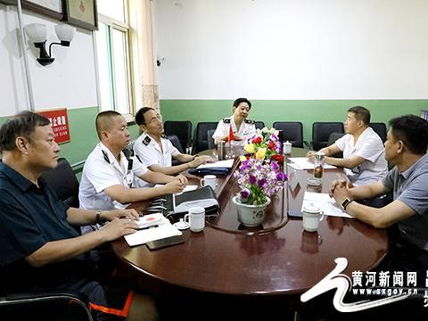 吕梁市卫生局卫生监督所对柳湾煤矿进行检查指导