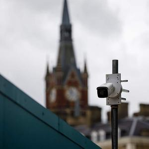 英数据监管部门将对车站人脸识别摄像头进行调查