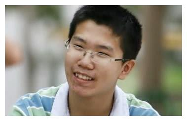 他是高考状元,高考数学估分满分,理综估分298分,最后多少?