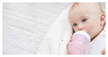 吃母乳的新生儿到底要不要喂水喝呢?你的做法是否正确呢?