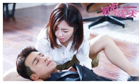又一部亲爱的电视剧官宣了,女主谭松韵,能否超越杨紫的佟年?