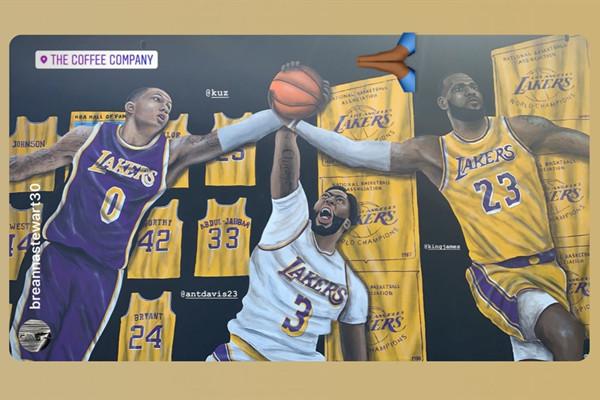 詹姆斯社交媒体晒出湖人三巨头壁画